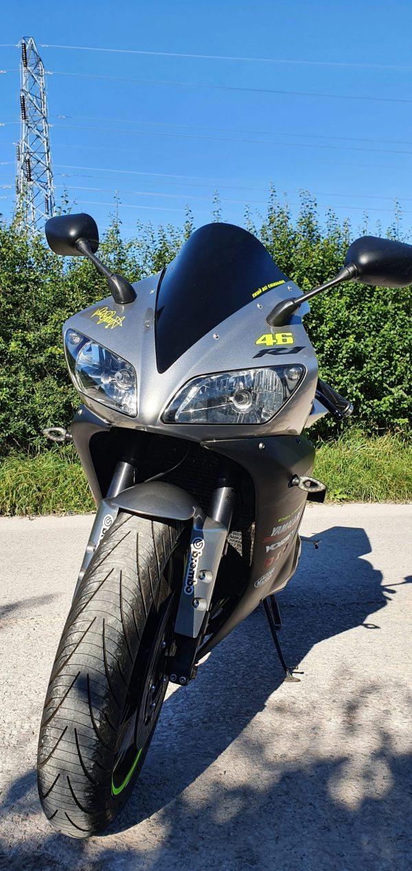 Yamaha R1 Review 2002 - 2003