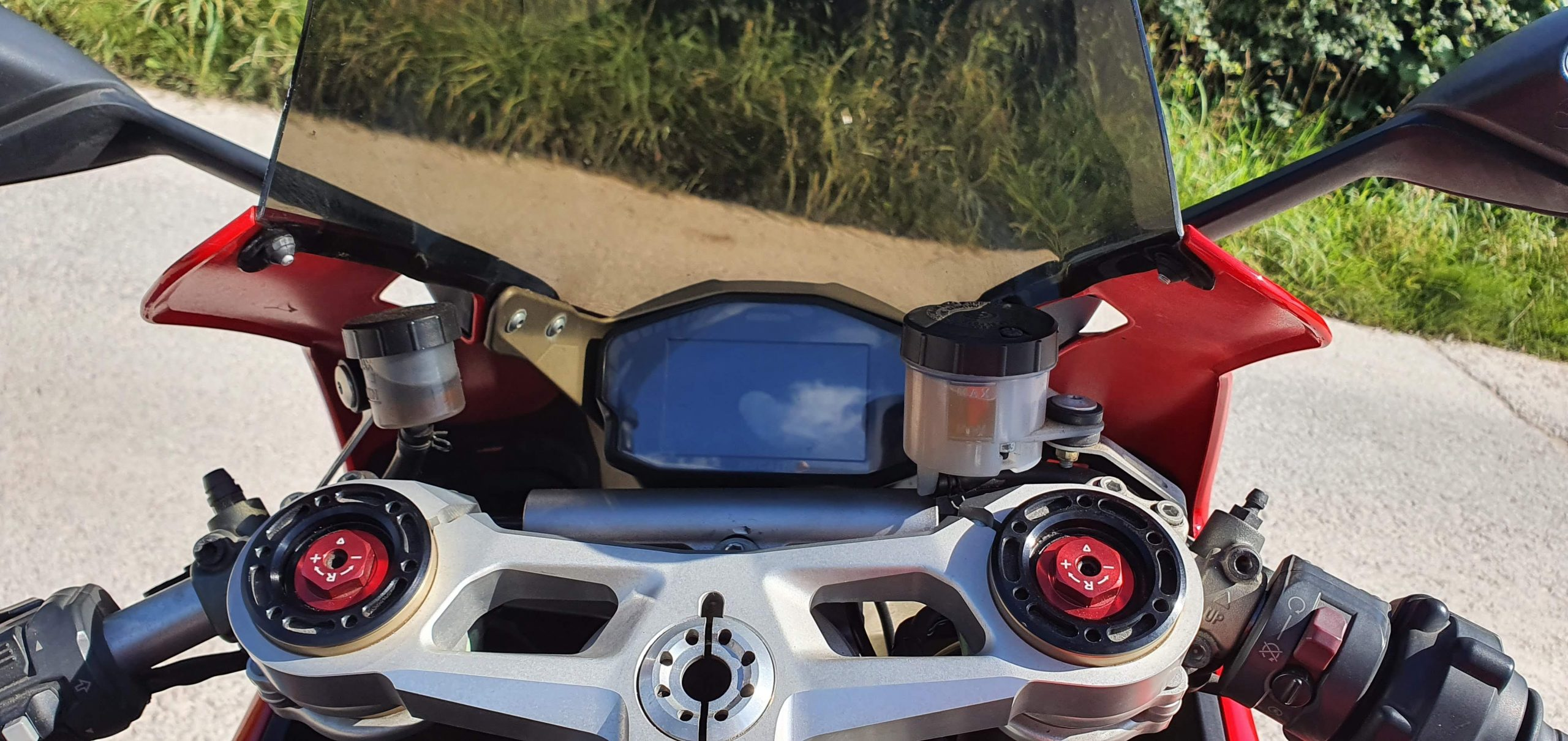 Ducati 1199 Panigale Review dash